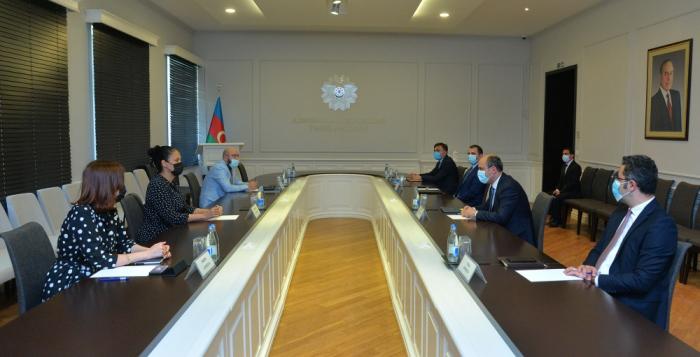 Emin Emroullaïev a reçu la nouvelle directrice de la Banque asiatique de développement pour l'Azerbaïdjan