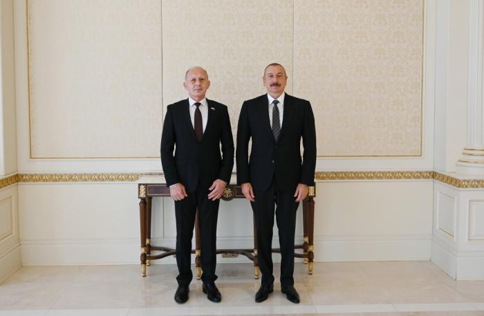 Prezident Serbiyanın yeni səfirinin etimadnaməsini qəbul edib -  FOTO (YENİLƏNİB)