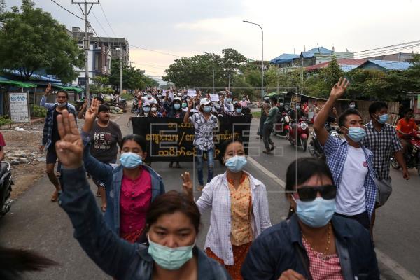 17 Embajadas piden liberación de periodistas y libertad de prensa en Birmania