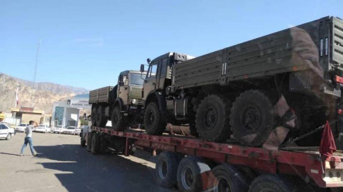 Iran transports cargo to Armenians in Nagorno-Karabakh region and Russian peacekeepers allowed- VIDEO
