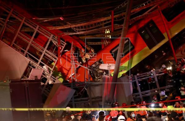 Al menos 15 muertos y 70 heridos deja el desplome de una vía elevada del metro en Ciudad de México