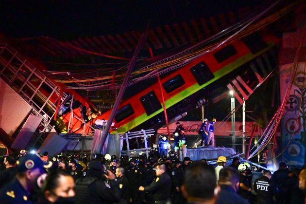 Mexico:   au moins 15 morts et près de 70 blessés aprèsl'effondrement d'un pont