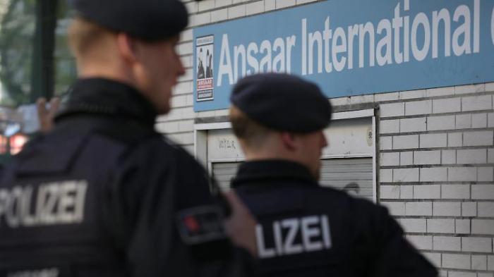 Seehofer verbietet Salafisten-Verein