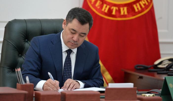 Qırğızıstan prezident idarəçiliyinə keçdi,    hökumət istefa verdi