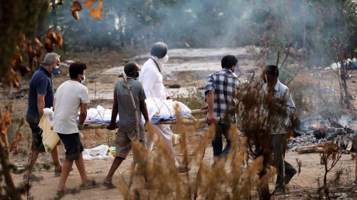 El coronavirus no da tregua en India:   nuevo récord de muertes diarias y los casos volvieron a aumentar