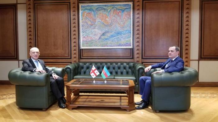 Aserbaidschanischer Außenminister trifft seinen georgischen Amtskollegen