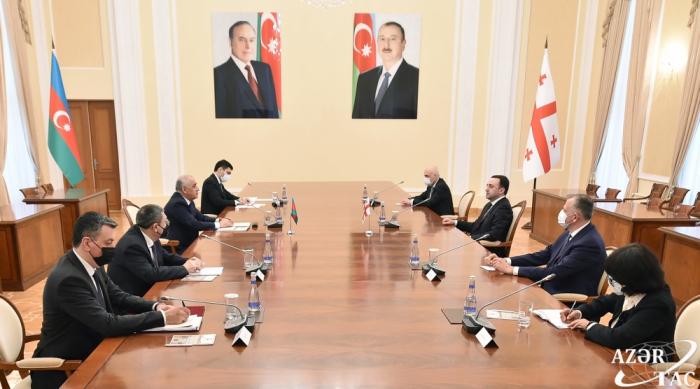 Irakli Garibashvili se reúne con su homólogo azerbaiyano