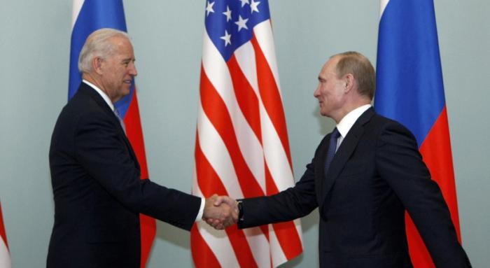 Une rencontre entre Joe Biden et Vladimir Poutine pourrait avoir lieu à Bakou