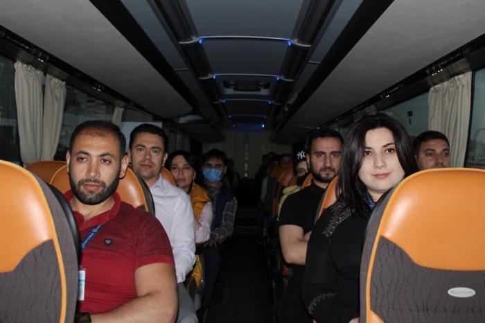 Des journalistes se familiarisent avec la construction de la route«Zefer yolu»