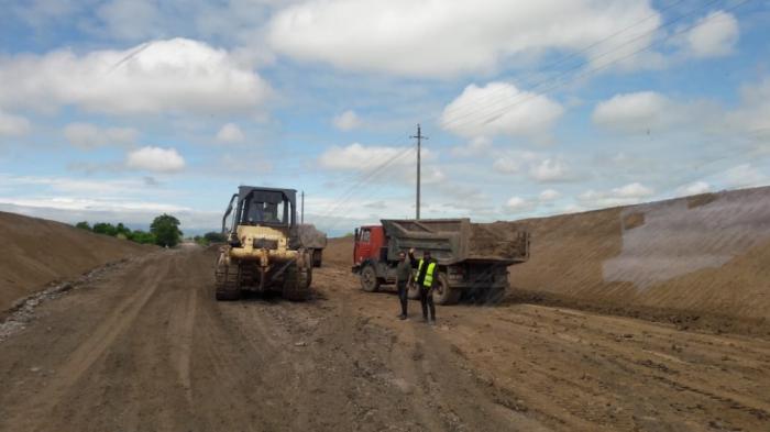 La construction de la route«Zefer yolu» se poursuit à grande vitesse -  PHOTOS