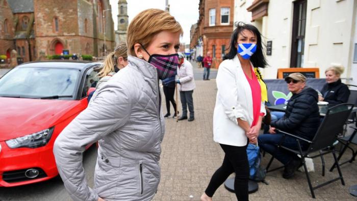 Schottische Politiker hoffen auf neues Unabhängigkeitsreferendum