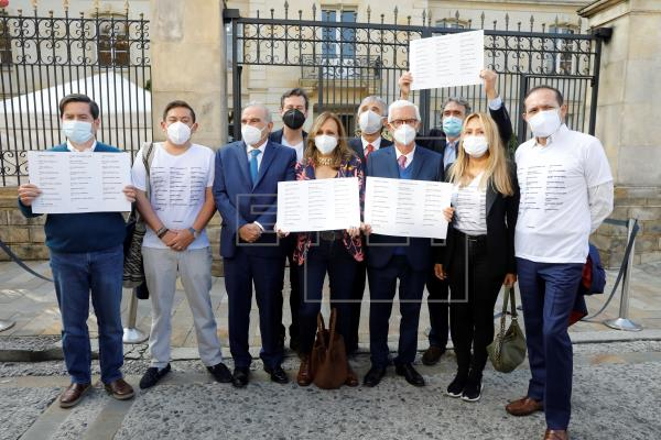 """Al menos 27 muertos en Colombia """"en el marco de las protestas"""", dice la Fiscalía"""