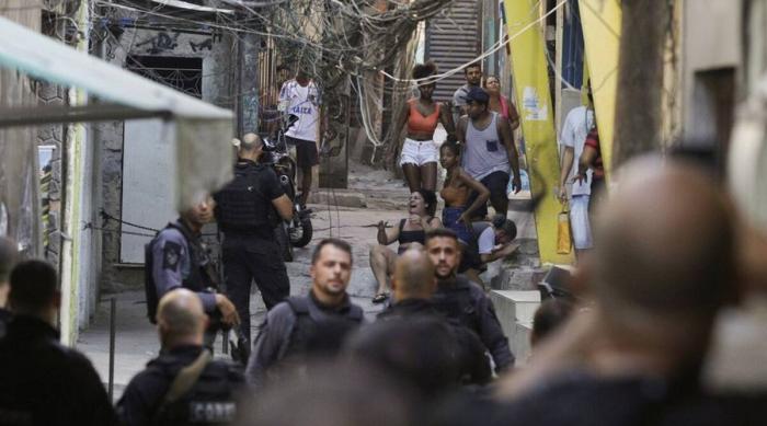 Rio de Janeiro drug shootout death toll climbs to 28