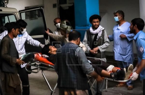 """La UE condena el """"horrendo"""" y """"despreciable"""" atentado de Kabul"""