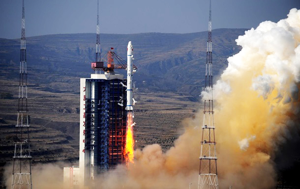 Chinese rocket debris crashes into Indian Ocean -UPDATED