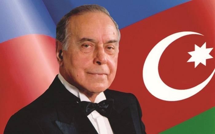 Azerbaijan marks 98th birthday anniversary of national leader Heydar Aliyev