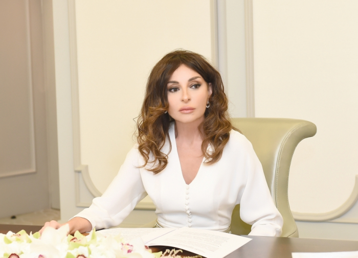 """""""Obwohl Heydar Aliyev heute nicht bei uns ist, leben seine Ideen weiter""""  - Mehriban Aliyeva"""