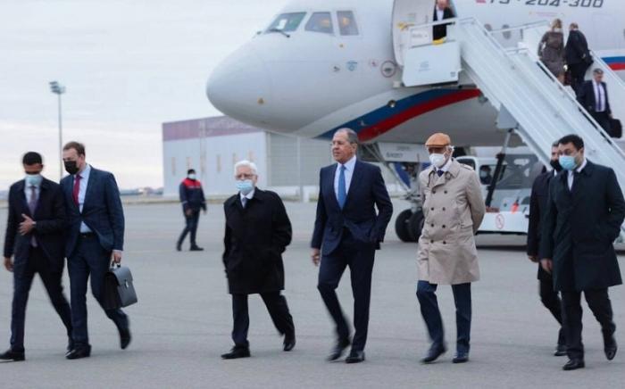 Serguéi Lavrov llega a Bakú