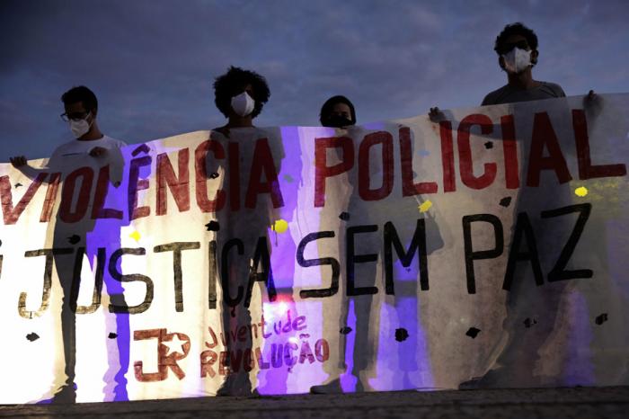Brésil:   plusieurs milliers de personnes manifestent contre les violences policières