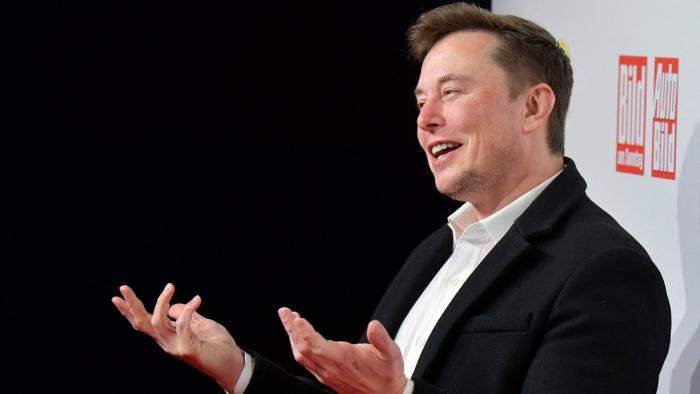 El criptomercado se desploma en 16 % tras un tuit antibitcóin de Elon Musk