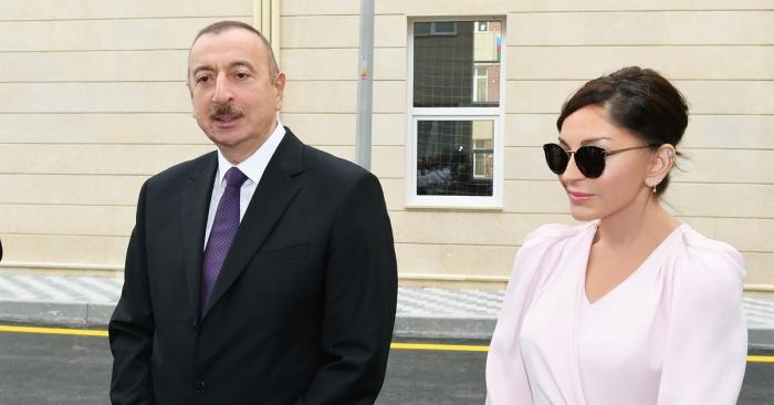 Ilham Aliyev y Mehriban Aliyeva permanecen en la región de Gabalá