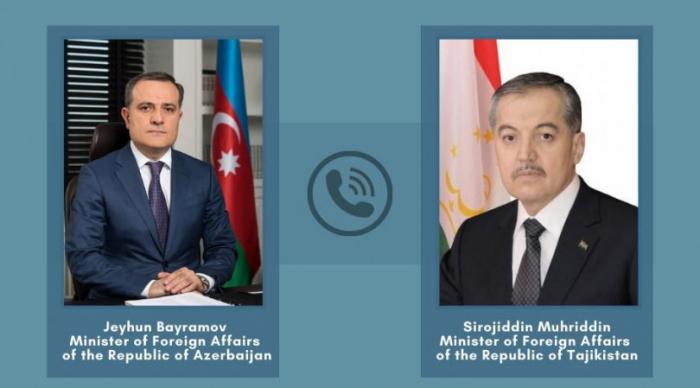 Azerbaijani, Tajik FMs exchange views over tension on border with Armenia