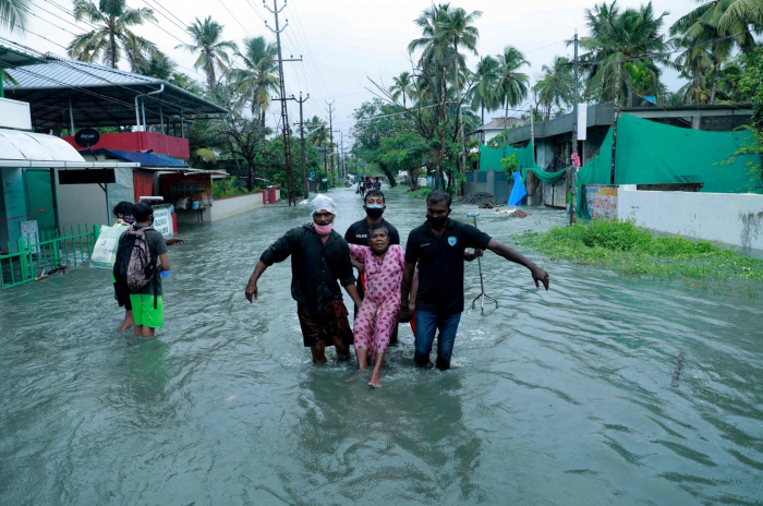 At least 6 dead as cyclone hits India