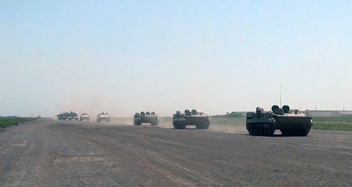 Azerbaijan's rocket, artillery units move forward on designated routes –   VIDEO