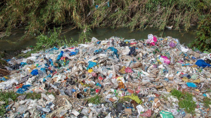 UK criticised for dumping and burning plastic waste in Turkey, says Greenpeace
