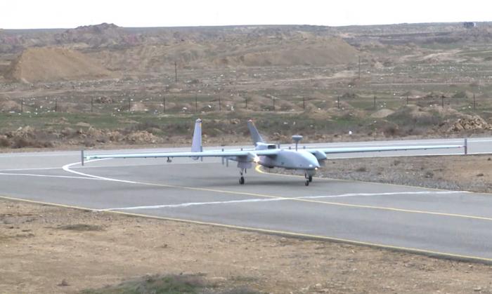 Video:   Los efectivos de UAV realizan los ejercicios