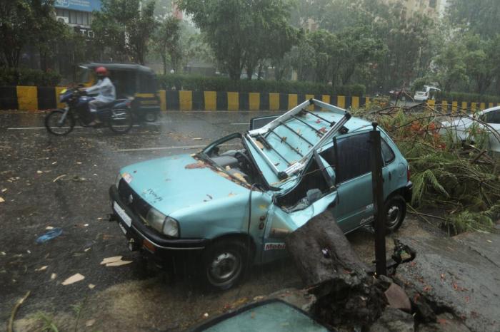 Un poderoso ciclón dejó 21 muertos y 96 desaparecidos en la India