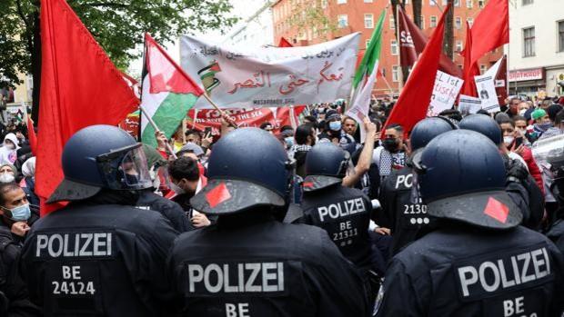 Alemania atribuye las manifestaciones contra Israel al «antisemitismo importado» con los refugiados