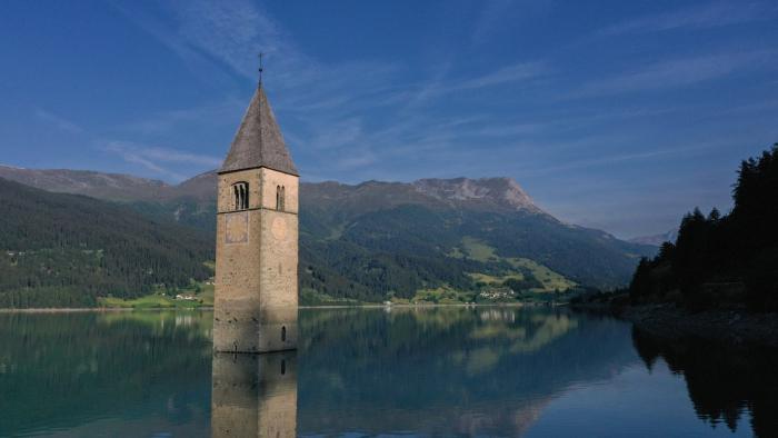 Resurge en Italia un pueblo que estuvo sumergido en el fondo de un lago durante más de 70 años