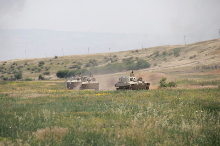 Azerbaijani army successfully completes exercises