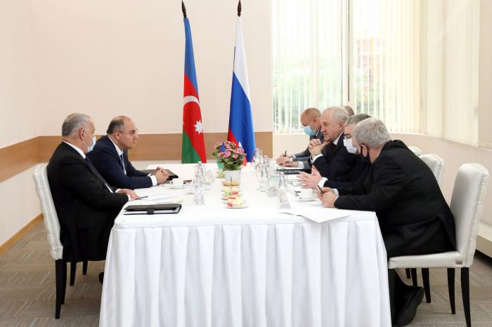Azerbaijani, Russian customs services keen on simplifying border crossing process