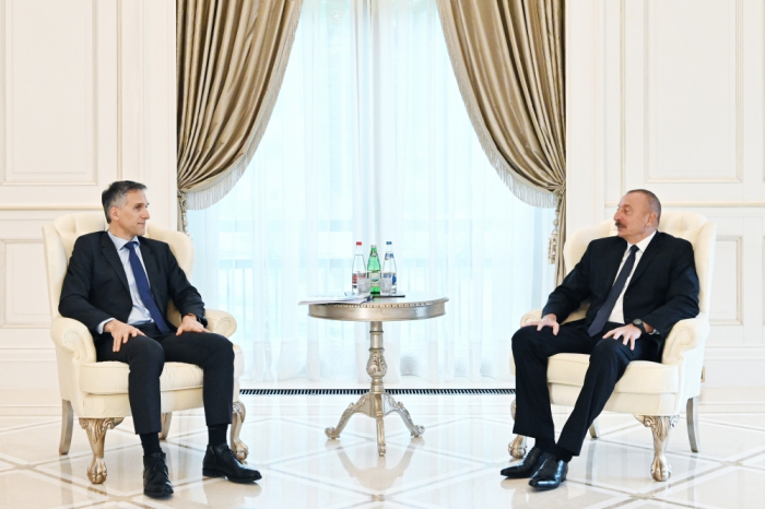 President Ilham Aliyev receives Signify CEO