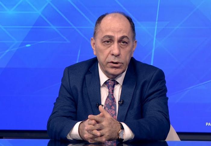 """""""Kimdə antitel testi normaldırsa, ona COVID pasportu verilsin"""" -  Həkim"""