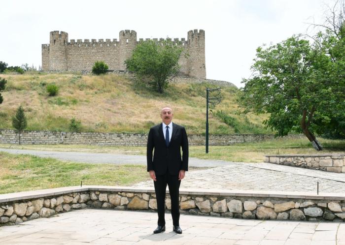 Prezident Şahbulaq qalasında -  FOTOLAR (YENİLƏNİB)