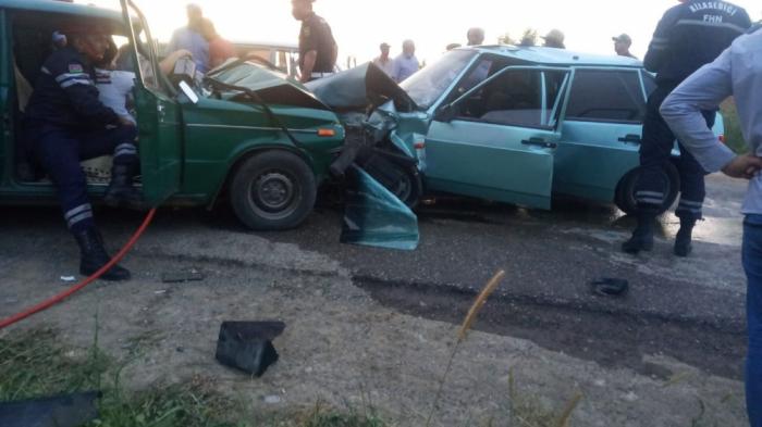Şabranda iki maşın toqquşub,    5 nəfər yaralanıb