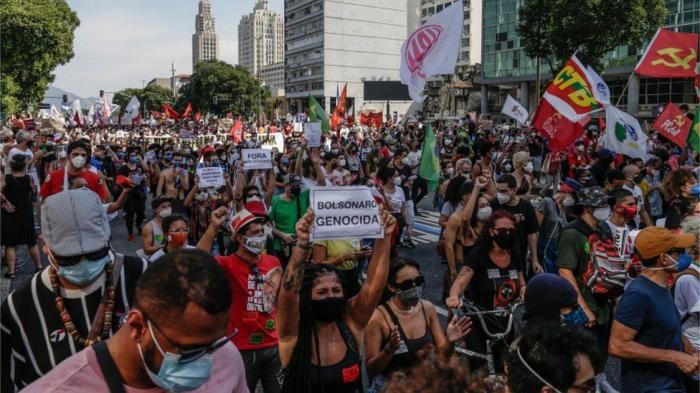 Brazil: Demonstrators blame Bolsonaro for Covid crisis