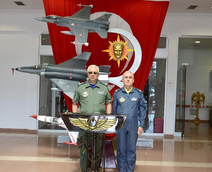 Azerbaijan Air Force Commander visits Turkey