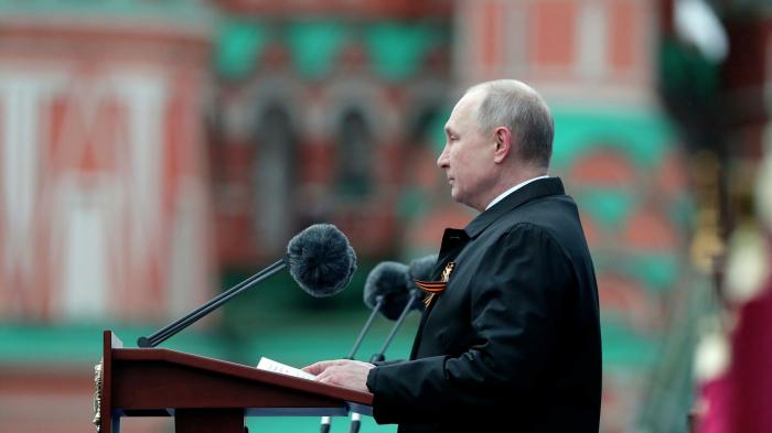 """Putin Moskvadakı paradı bəyəndi:  """"Əladır"""""""