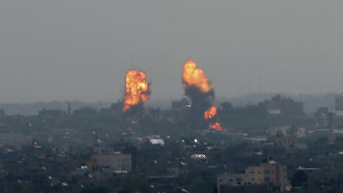 """İsrailin müdafiə naziri:  """"Yüzlərlə hədəfi vurduq"""""""