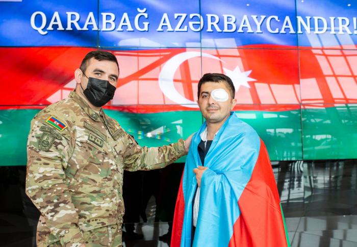 Türkiyəyə göndərilən daha 2 qazi sağalaraq Vətənə döndü -  FOTO