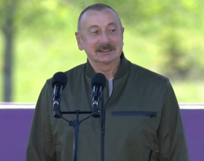 """I suggested that the shape of the mosque reflect figure """"8"""" - President Aliyev"""