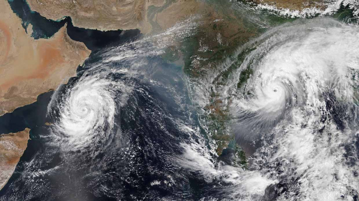 Mass evacuations as second cyclone in a week approaches India