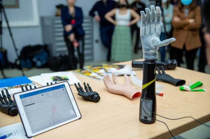 17 qazi yüksək texnologiyalı protezlə təmin edilib