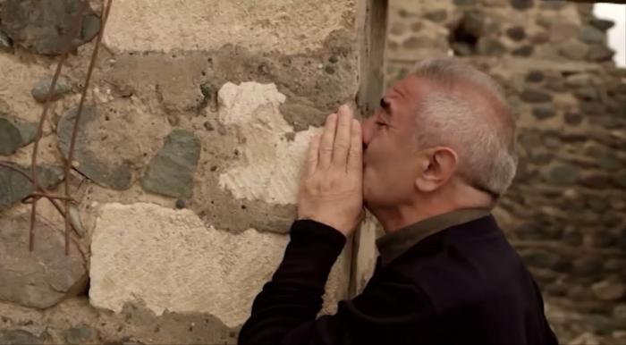 Qarabağa qayıdıb evini tapdı, qayıdışın işığını yandırdı -  VİDEO