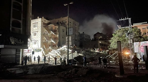 إسرائيل تقصف منزل زعيم حماس بغزة