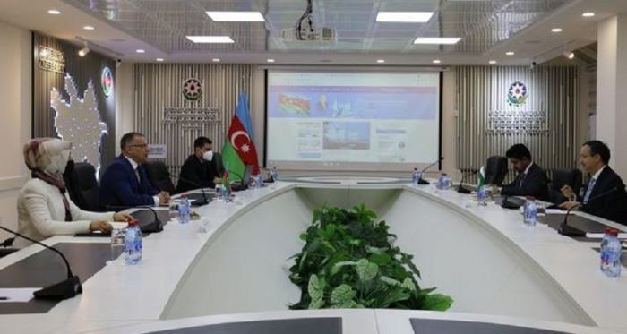 تقيم المراكز التحليلية في أذربيجان وباكستان العلاقات